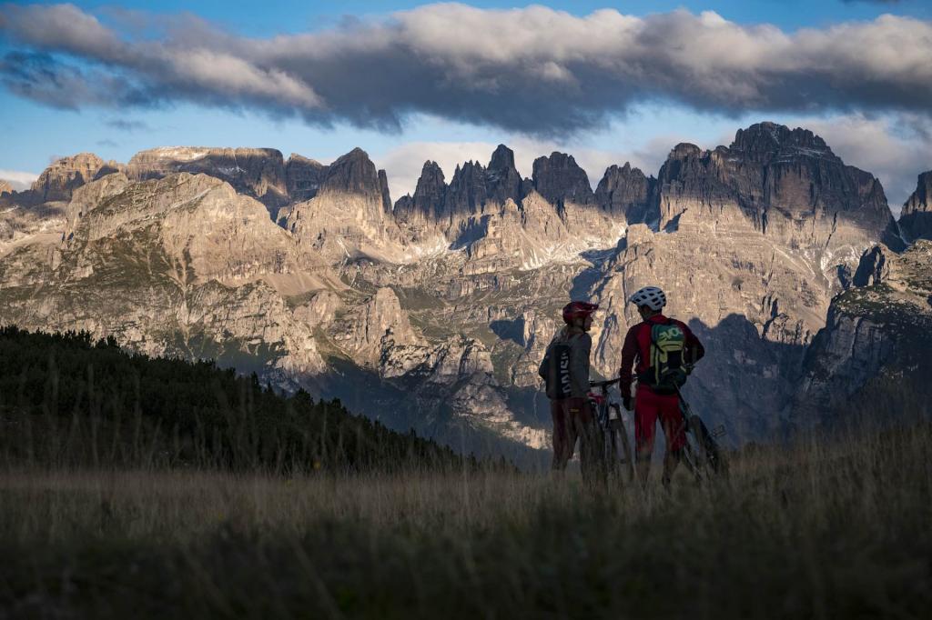 itinerari bike in Paganella per una vacanza a Andalo all\'insegna dello sport e il divertimento sulle Dolomiti di Brenta